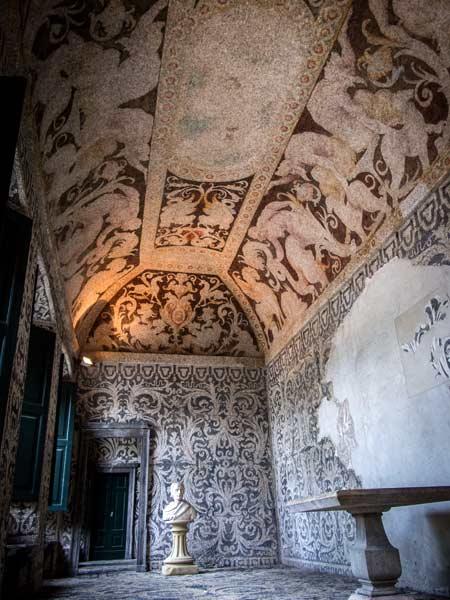Villa litta decorazioni al ninfeo le decorazioni di - Decorazioni grottesche ...