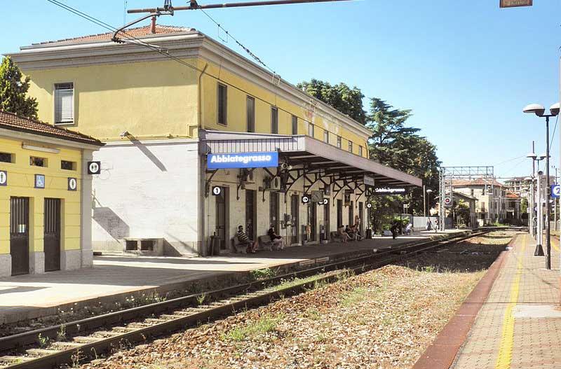 Abbiategrasso stazione sulla linea milano porta genova - Carabinieri porta genova milano ...