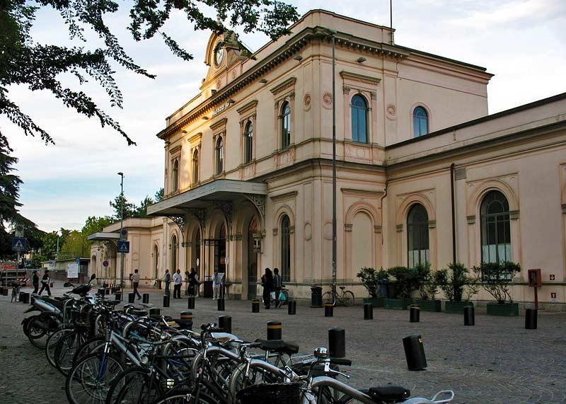 Monza inaugurata nel 1840 la milano monza stata la - Treno milano porta garibaldi bergamo ...