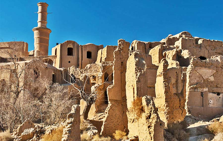 Kharanaq antica citt fantasma il cui nome significa 39 il for Citta della siria che da nome a un pino