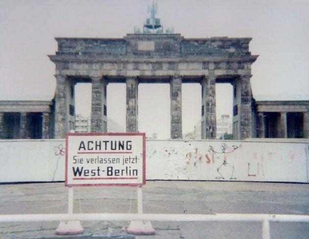 Porta di brandeburgo com 39 era icona e simbolo della - Berlino porta di brandeburgo ...