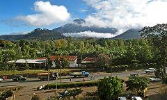 Arusha: vista sul monte Meru