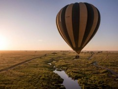 Balloon over Serengeti