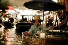 I mercati galleggianti di Bangkok