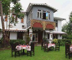 Les Tontons Restaurant (Yangon)