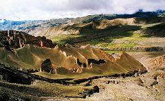 Dhakmark: formazioni rocciose