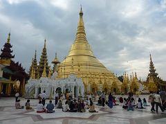 Shwedagon Pagoda(Yangon)