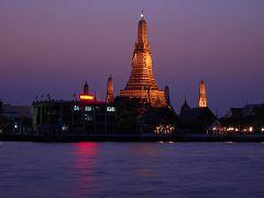 Wat Arun, una veduta notturna