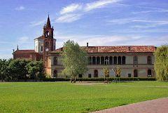 Canonica di Bernate e Palazzo Visconti.