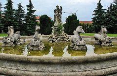Verderio: fontana Nettuno