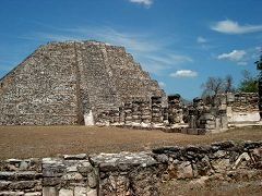 La Piramide di Mayapan