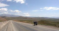 Turchia: paesaggio con moto