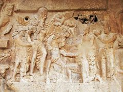 Bishapur: rilievo sassanide