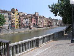Fiume Onyar e case di Girona