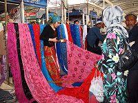 Vendita di seta nella via della seta