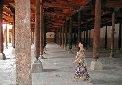 Khiva: interno della moschea Juma