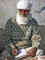 Minab: uomini al mercato
