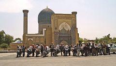 Samarcanda: in moto al mausoleo Gour Emir