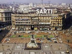Pubblicità in Piazza Duomo