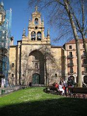 Iglesia de San Vicente e Jardines De Albia
