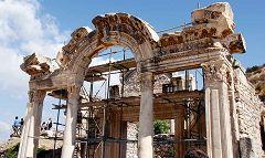Efeso: tempio di Adriano