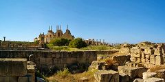 Leptis Magna: vista esterna sul teatro