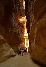 Petra: canyon