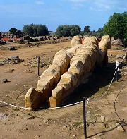 Valle dei Templi: un gigantesco telamone